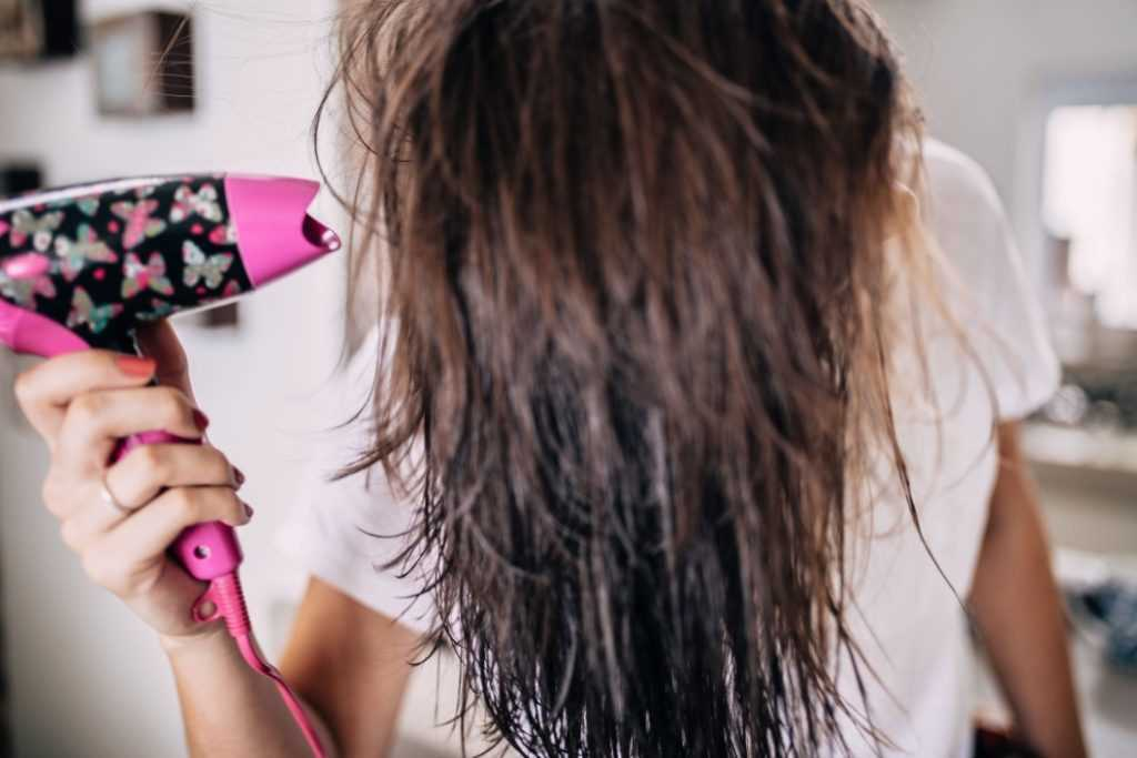 Which things promote healthy hair?