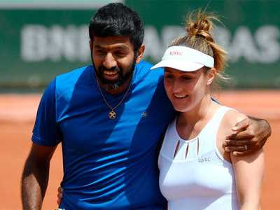 Which Indian tennis player won his maiden French Open mixed doubles trophy in 2017?