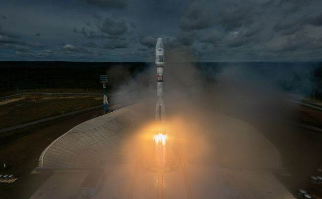 Which country has recently launched Soyuz Carrier Rocket with 33 Satellites?