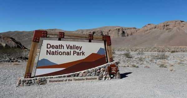 Why death valley is famous?