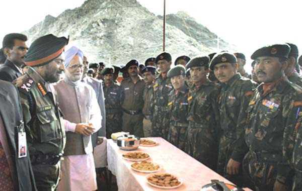 Who was the first Prime Minister to visit Siachen?