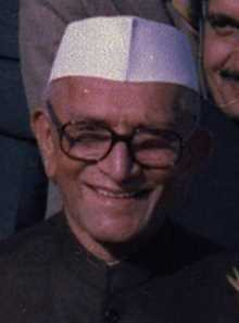 Who was the oldest to take the oath as the Prime Minister of India?