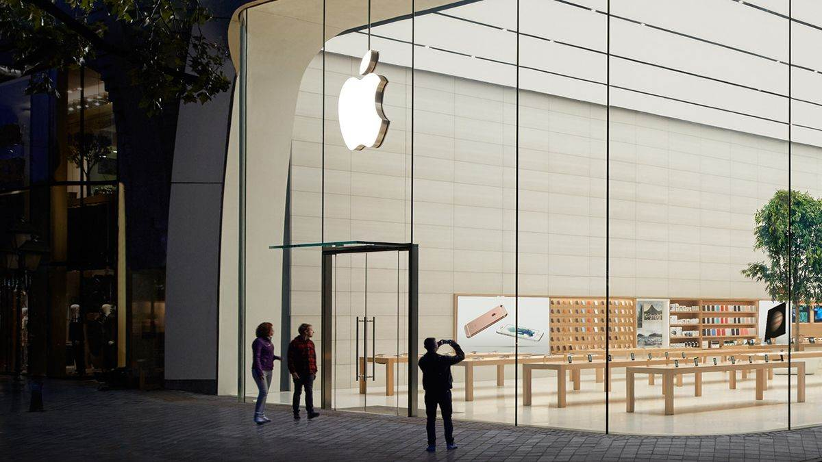 Where will Apple first offline store will open next month in India