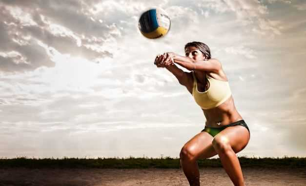 What is the proper form of forearm bump in volleyball?