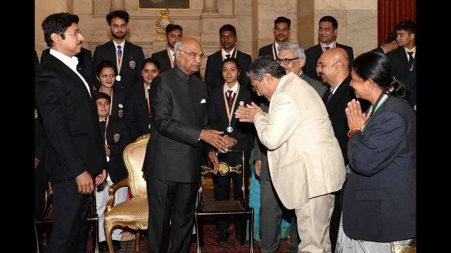 In which city, President Ram Nath Kovind presented National Service Scheme Awards 2016-17?