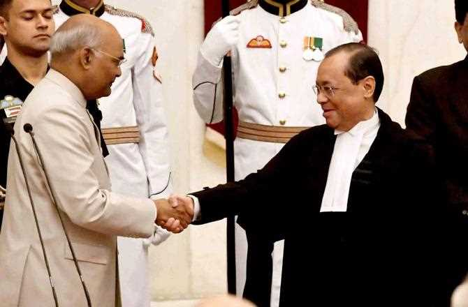 Who appoints the Chief Justice of India and how?